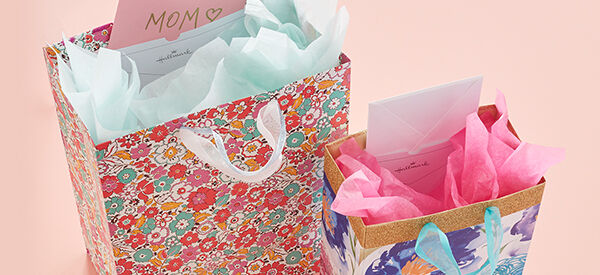 Mother's Day gift bags featuring card pockets