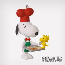 Spotlight on Snoopy Baker Snoopy ornament