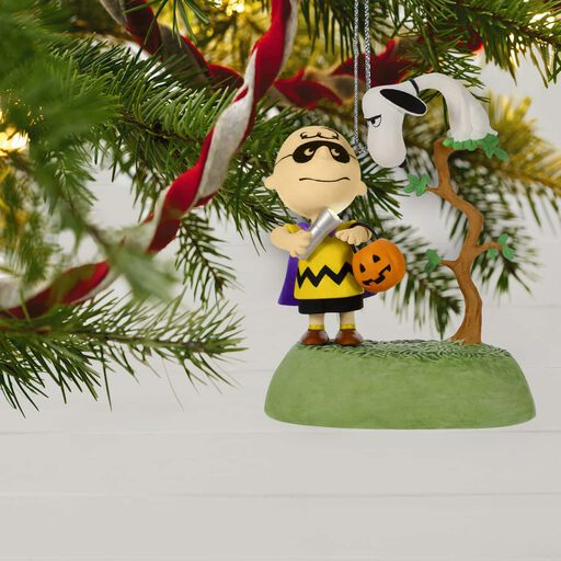 ... The Peanuts® Gang The Halloween Vulture Musical Halloween Ornament With Light,