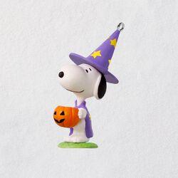 Mini PeanutsR Trick Or Treat Snoopy Halloween Ornament 158