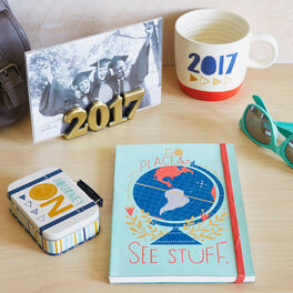 Go See Stuff 2017 Graduation Gift Set, , large