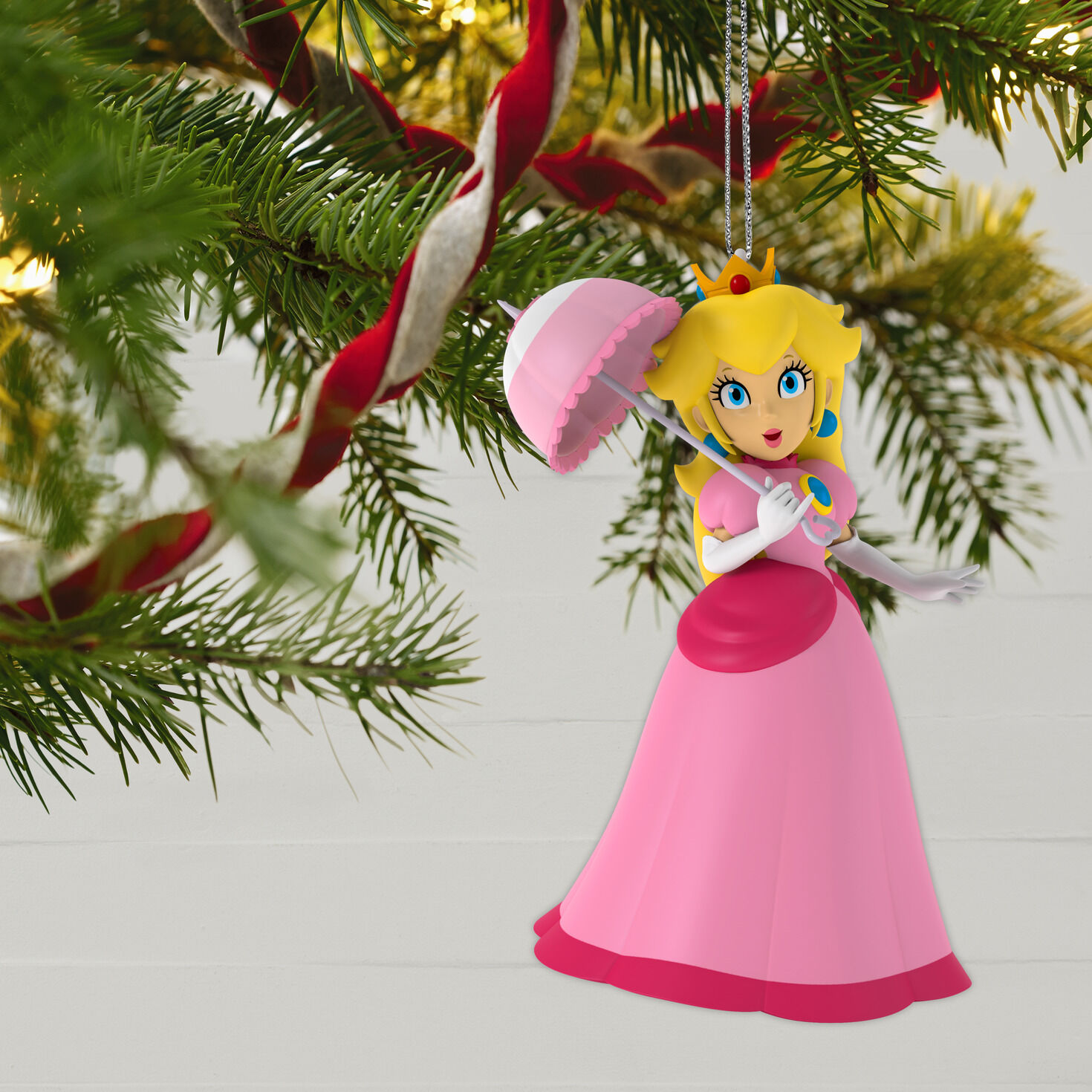 New Disney Aladdin and Magic Flying Carpet Christmas Ornament