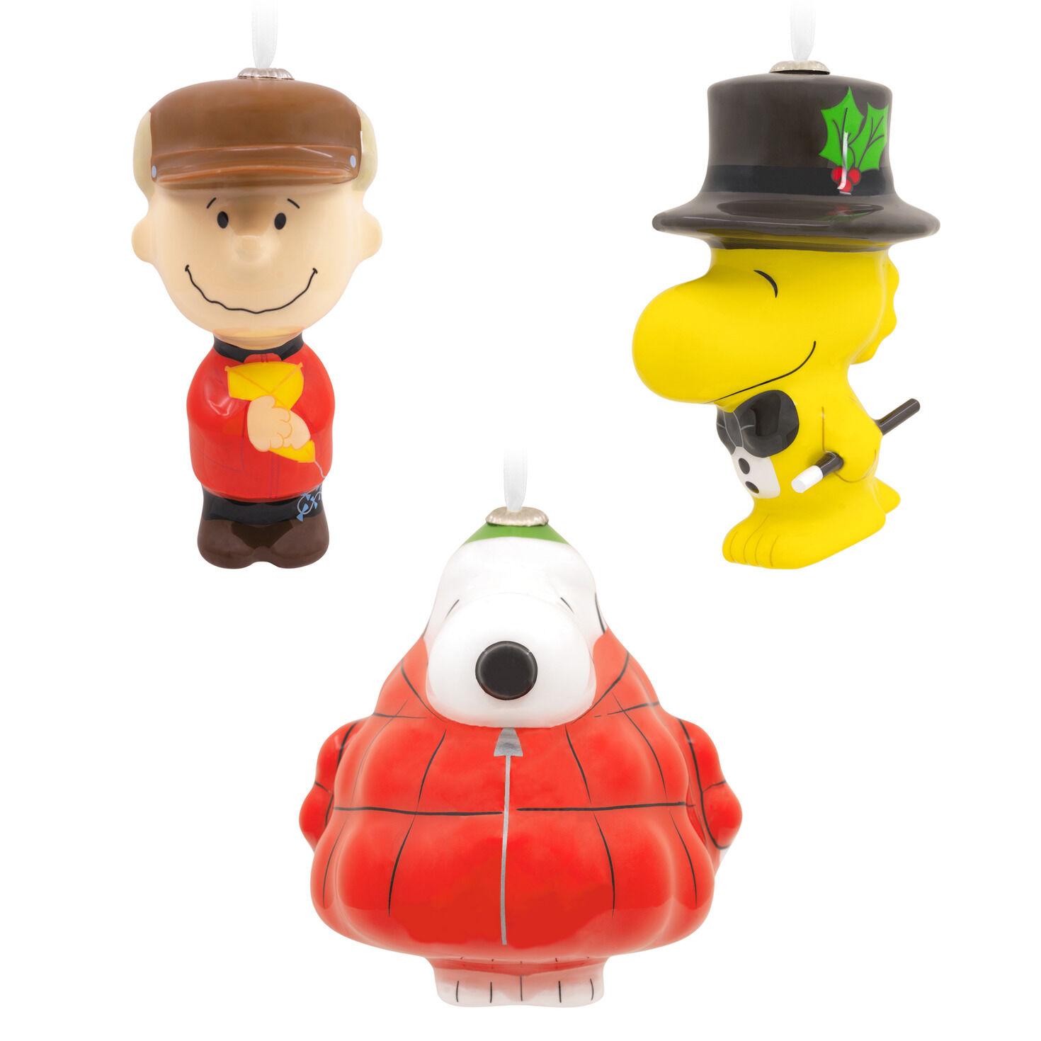 Snoopy Christmas Figurine Peanuts Decoration Ornament Hallmark Linus Blanket