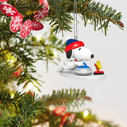 mini peanuts winter fun with snoopy ornament 1
