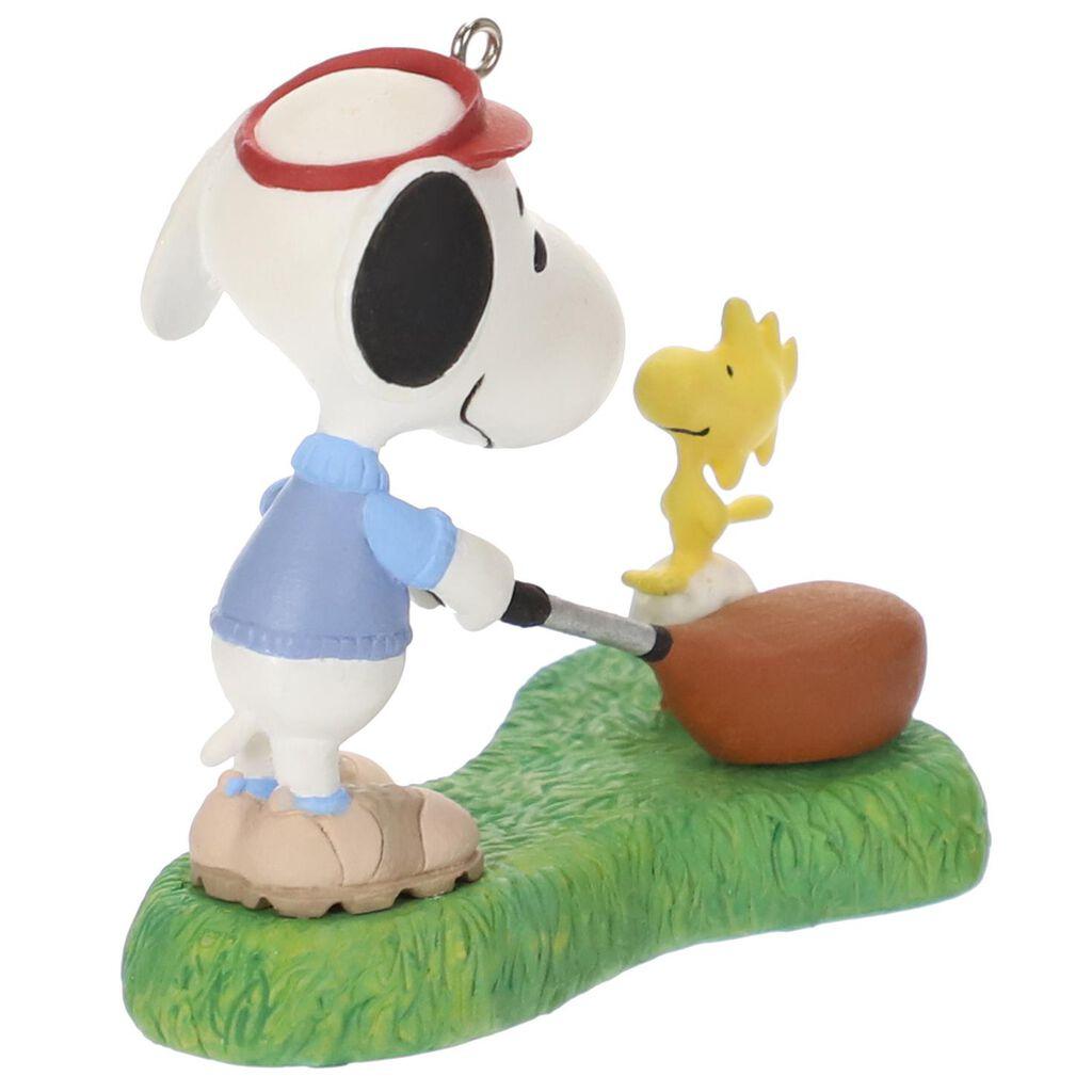 Peanuts Spotlight On Snoopy Golfer Ornament