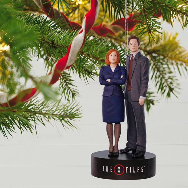 The XFiles Scully and Mulder Musical Ornament  Keepsake