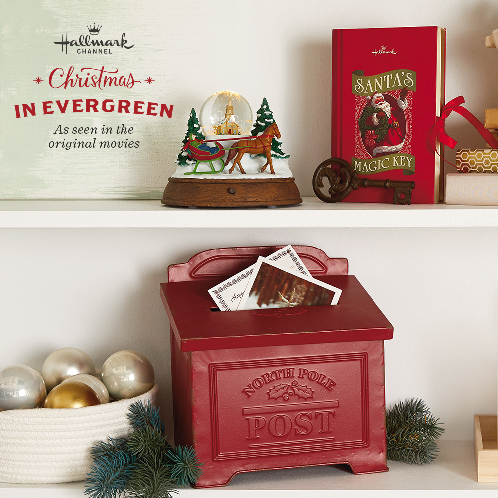 Christmas in Evergreen Holiday Decor